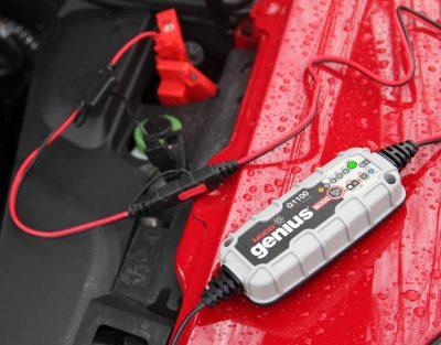 mejor cargador bateria 12v